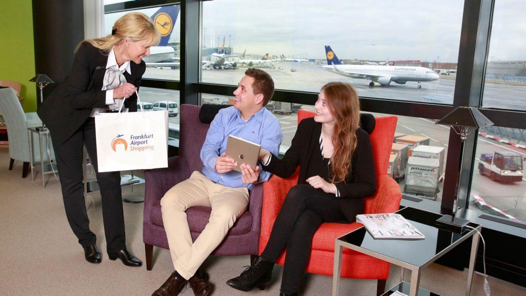 Über eine Kooperation mit der Lufthansa will man es Reisenden noch bequemer machen, am Flughafen einzukaufen (Foto: Fraport AG)