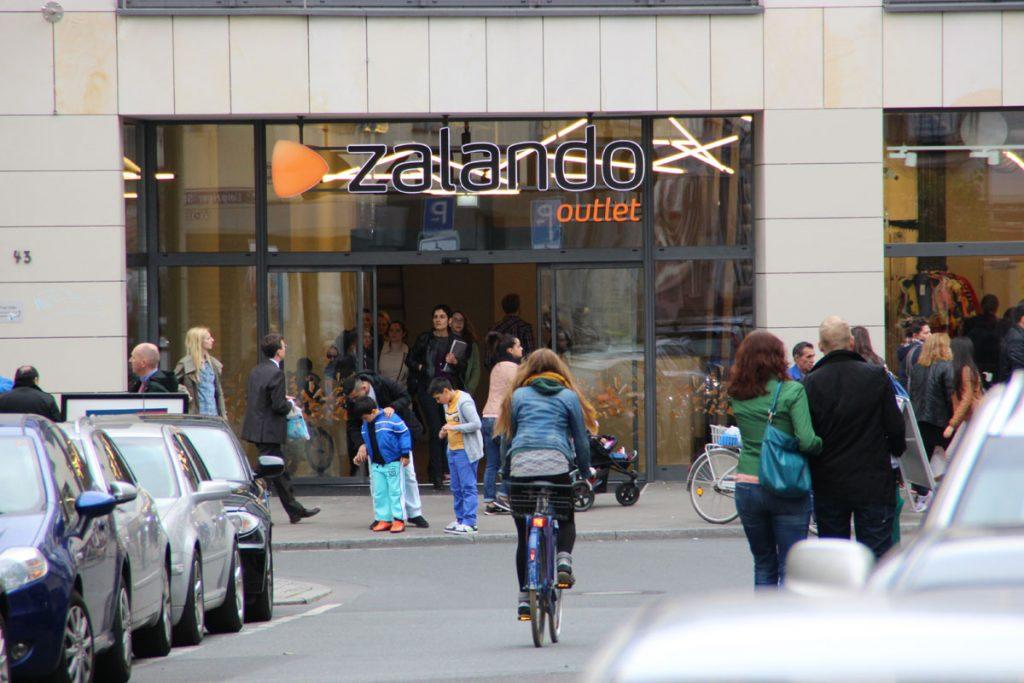 Zalando Outlet – Frequenzbringer in der Leipziger Straße von Frankfurt-Bockenheim (Foto: Andreas Haderlein)